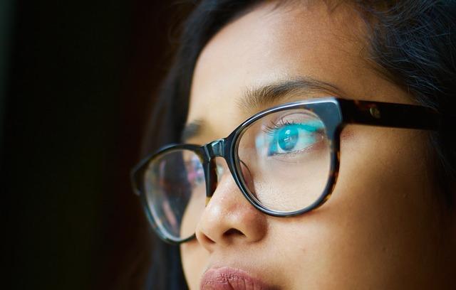 Czy soczewki kontaktowe są dla każdego?